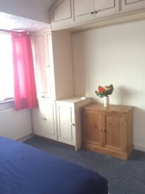 Clean and airy double room near Asda Hayes
