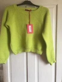 Lime green jumper. Size M / L