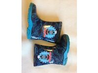 Boys shoes and wellies - size 4 5 6 and 7