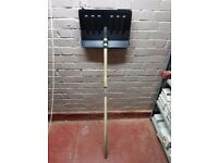 JO LOT 70 X SPEAR AND JACKSON SHOVEL (PLUS 10 SHOVEL HEADS)