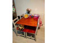 Foldable Kitchen tabel and 4 chairs