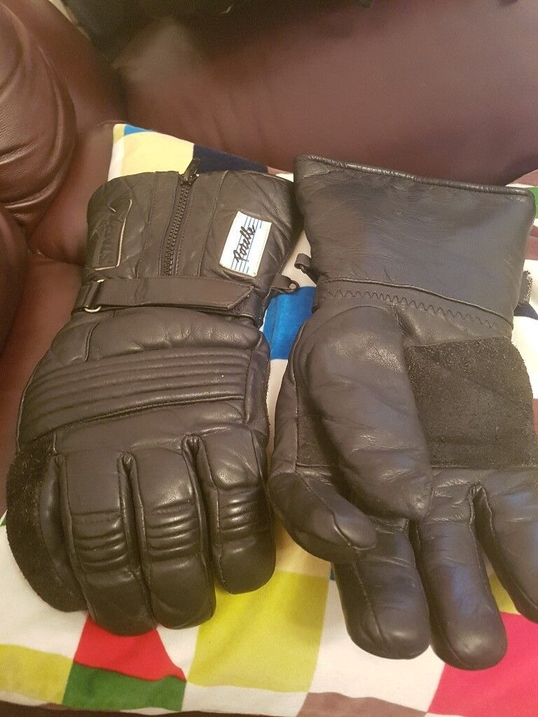 Mens biker gloves and boots.