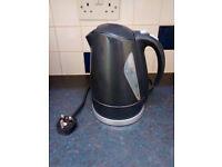 1.7 L black kettle