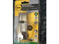 YALE Euro profile cylinder lock. High security 70mm (30/10/30). New and unused
