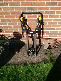 Bike tow bar rack with tow ball