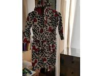HELLO KITTY DRESSING GOWN AGED 9-10 YRS