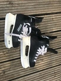 Kids ice skates size 2.5