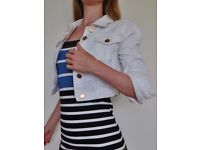Topshop MOTO Cropped Denim Jacket (white w/ Gold Buttons) Size 8
