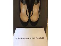 Dorothy Perkins heels size 5 black shoes