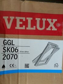 Velux GGL SK06 2070 (Pine White Painted) Centre Pivot