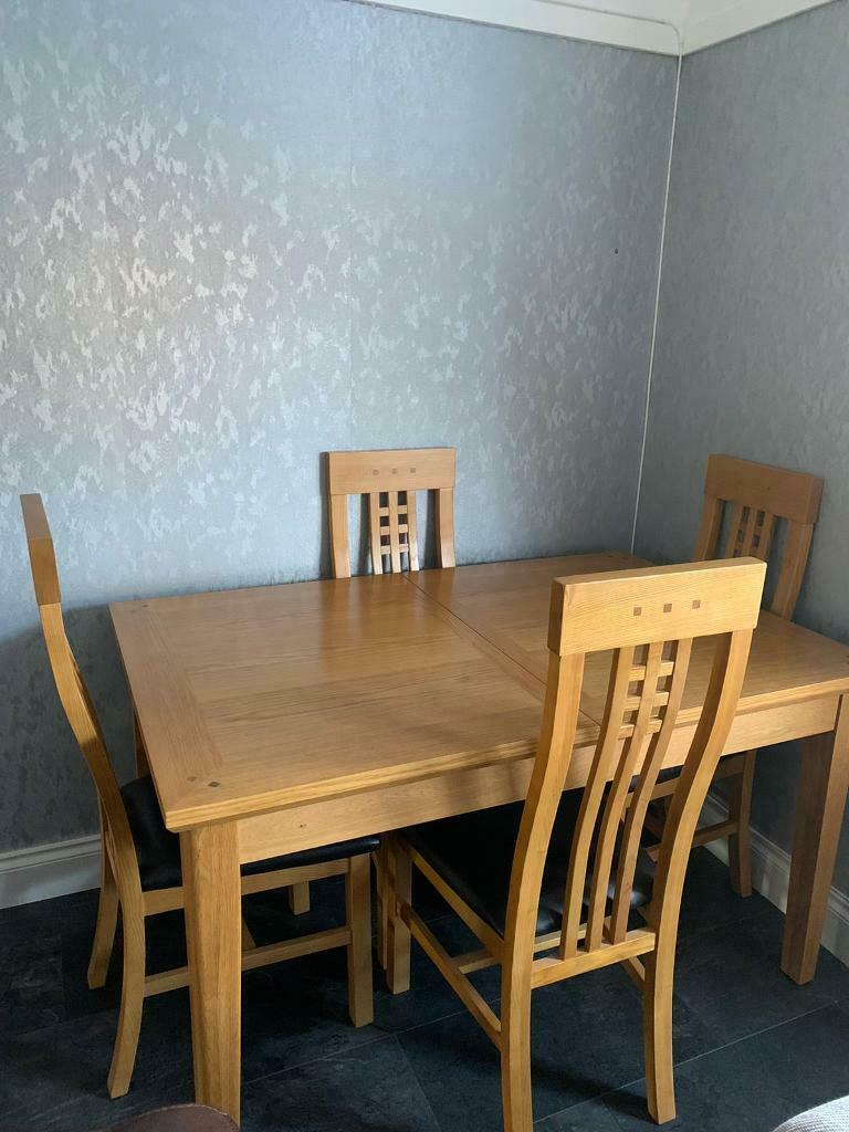 Extending Dining Table And 4 Chairs In Southside Glasgow Gumtree