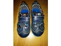 Clarks size 4 shoes. Navy rocket flashing heels