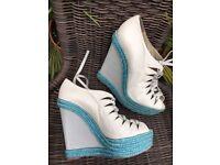 Christian Louboutin light grey leather wedge heels shoes uk 7 eu 40