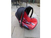Maxi-Cosi Car Seat, red and CabrioFix Base