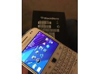 Blackberry 9900 bold touch screen