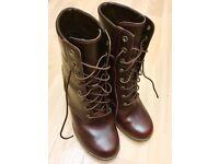 Original TIMBERLAND women's boots.