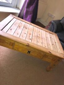 Coffee Table - excellent condition!