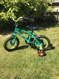 Boys bicycle with stabilers