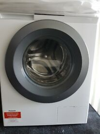 *Hardly used* PANASONIC washing machine 8kg 1600 spin, *extended warranty* (model NA-168ZS1WGB)