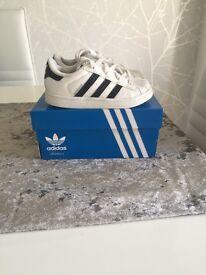 Boys addidas superstar white trainers size junior 7