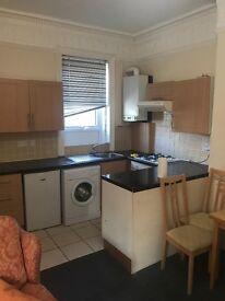 1 bedroom flat close city centre wingrove road