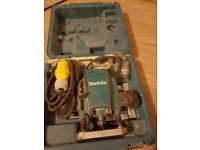 Makita router 110v 1/4 ex condition