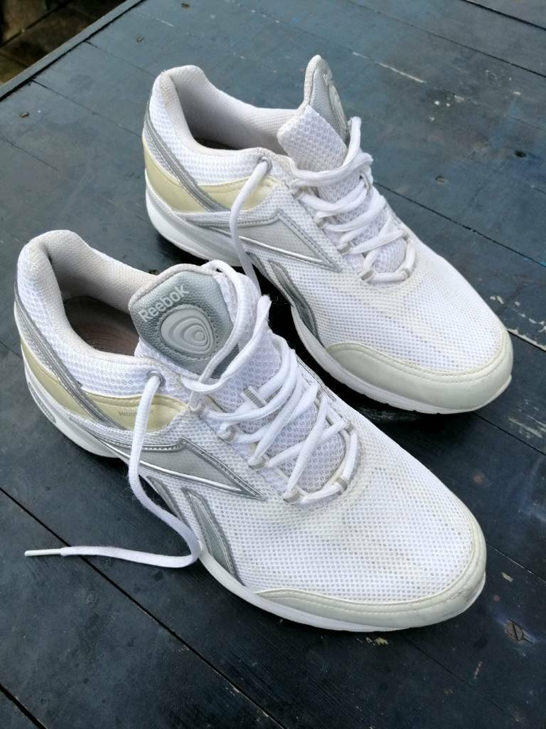 d12a795f32fd Reebok easy tone trainers size 7 ½