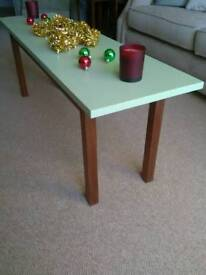 HEAVY SOLID OAK / MAHOGANY COFFEE TABLE WITH GREEN TOP 36 x 134 x 48 cm