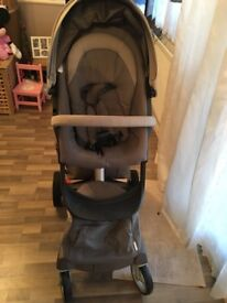 Stokke Xplory V3 - Suitable from newborn with foam wedge - Beige (Discontinued colour)