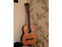 Acoustic guitar, full size