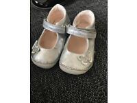 Clarks baby girl 3g
