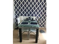Stunning extendable glass table and 6 chairs