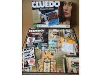 """CLUEDO, DISCOVER THE SECRETS"" Detective game. Parker Games 2008. Complete."