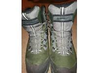 Boots Hi Tec size 7