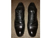 Oxford leather shoes in very good condition size 7