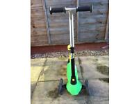 Oxcelo green kids B1 scooter