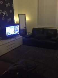 3 Bed House suit small family modern with appliances , unfurnished in Clarkesfield area