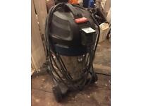 Silverline wet and dry vacuum / dust extractor