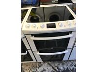 Zanussi ceramic cooker 60cm white colour perfect working order for sale