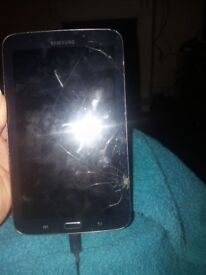 Galaxy tab 3. Working but screen cracked