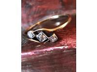 STUNNING 18ct GOLD ART DECO VINTAGE DIAMOND TWIST TRILOGY RING SIZE P-Q