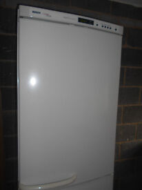 Bosch frost free fridge freezer. Delivery is possible