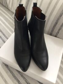 Excellent quality black leather pull on boots, size 6 - £15