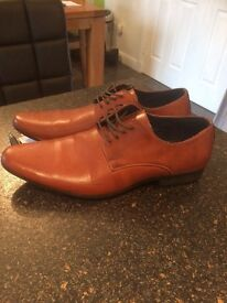 Brown river island shoes size 11