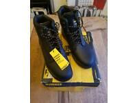 Dewalt steel toe footwear