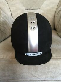 Champion Ventair Riding Hat size 7 5/8 or 62cms.