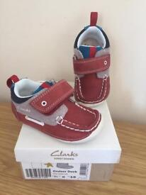 New in box, clarks 3.5G cruiser deck infant shoes