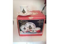 20 piece Christmas dinnerware set new in box