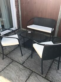 Rattan patio set garden table and chairs