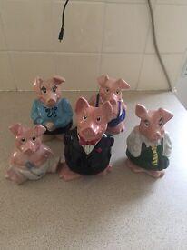 Full set NatWest pigs